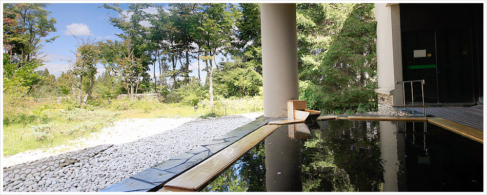月見の湯・露天風呂